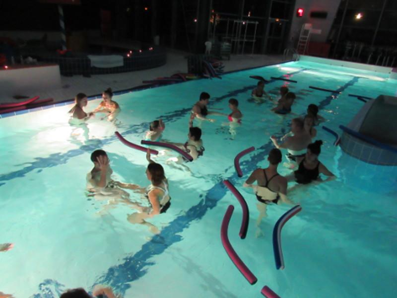 Aquazen aquaspace un oc an de loisirs for Piscine bresles