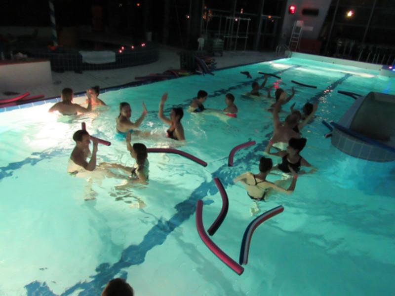Aquazen aquaspace un oc an de loisirs for Piscine de bresles